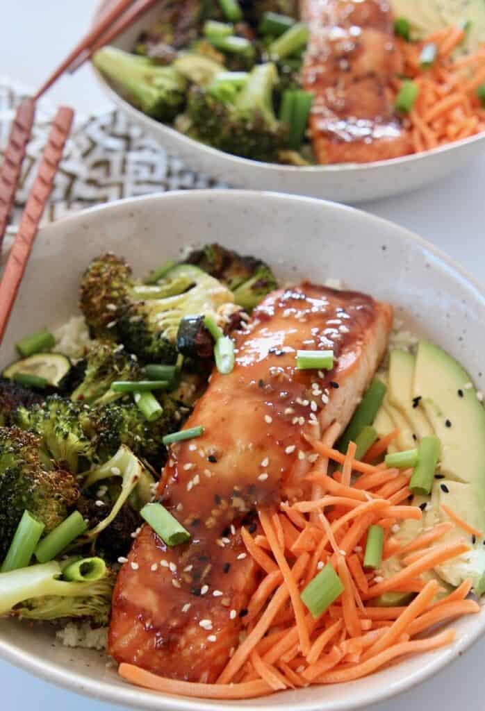 teriyaki salmon in bowl with vegetables